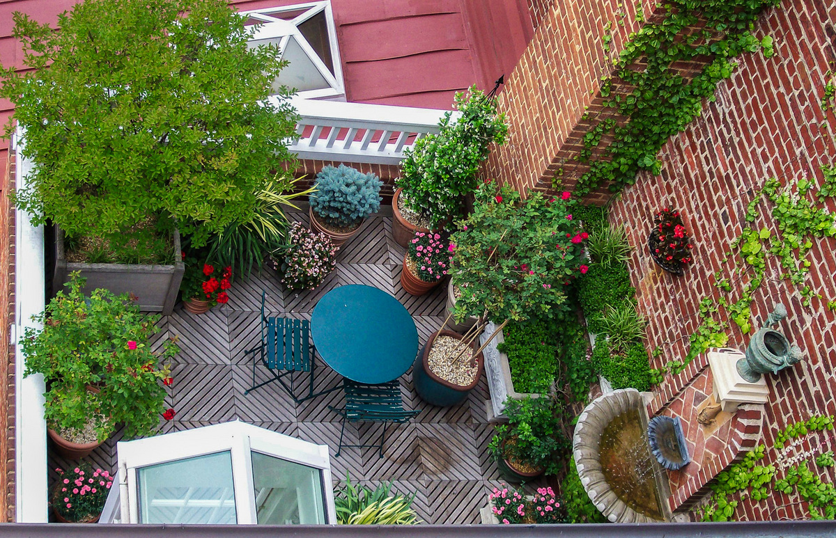 Merveilleux A Birds Eye View Of A Rooftop Garden In The City. : Rooftop And